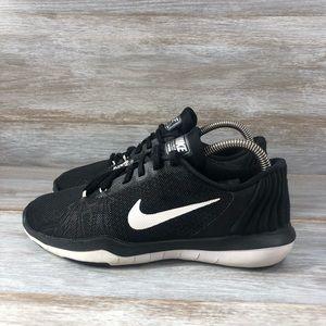 Woman's Nike Flex Supreme TR5 Training Size 7